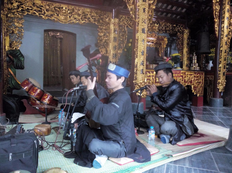 nghệ thuật hát văn của làng An Mô